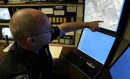police using cellphone tracking app