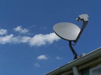 aligning-satellite-dish